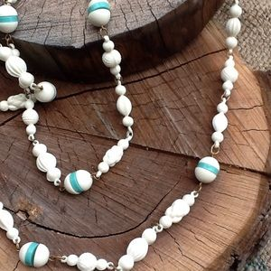 Jewelry - Long Vintage Beaded Necklace